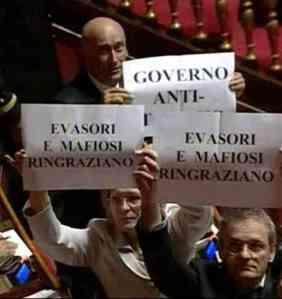 protesta_IDV_Senato